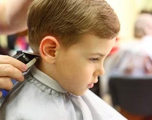 Taglio capelli bimbi 1 anno
